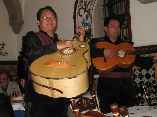Cafe de Tacuba : Mariachi Band