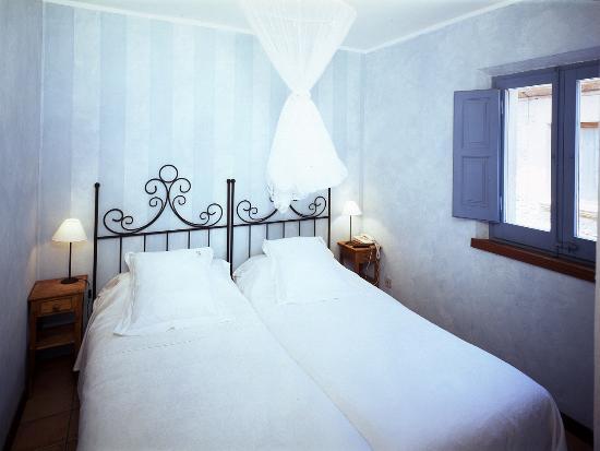 Hotel Restaurante El Fort: Habitación Azul