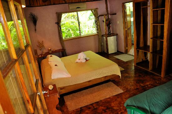Liquid Magic Surf Resort: King Bungalow