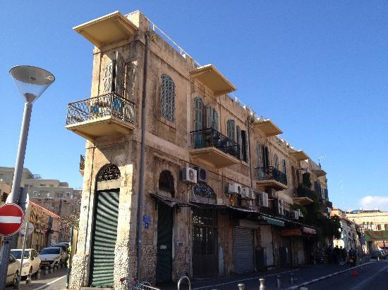 Old Jaffa Hostel: Das Balkonzimmer im 1.Stock!