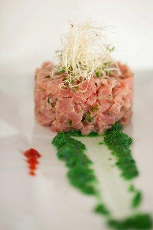 H Restaurant: Tuna Tartar