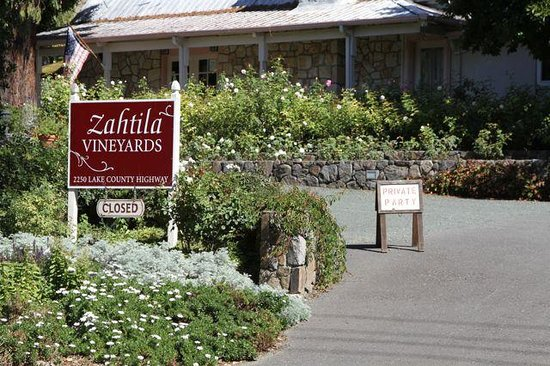 Laura Michael Wines - Zahtila Vineyards Resmi
