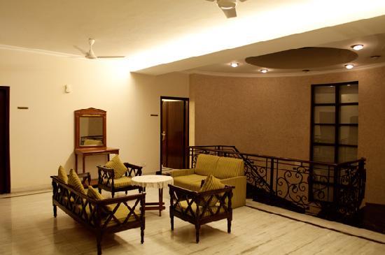 Gamma Hospitality : First Floor Lobby Area
