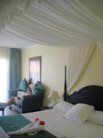 le lit super king size picture of paradisus princesa del mar varadero tripadvisor. Black Bedroom Furniture Sets. Home Design Ideas