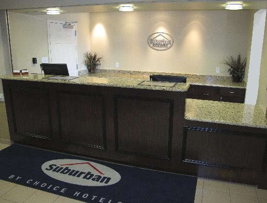 Suburban Extended Stay Hotel Camp Lejeune: Lobby Area