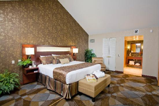 Ho-Chunk Casino Hotel and Convention Center: VIP Suite Bedroom