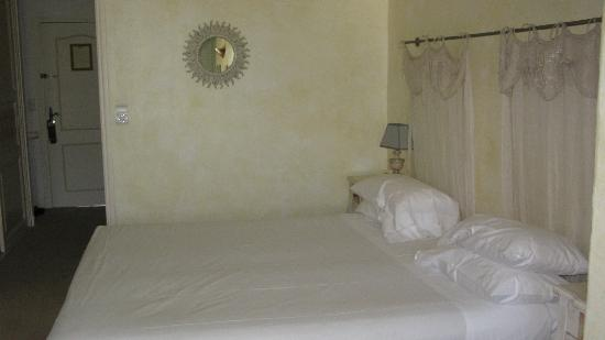 Chateau de la Begude: The sleeping area in our room