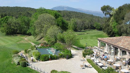 Chateau de la Begude: Views to the club house and golf coourse