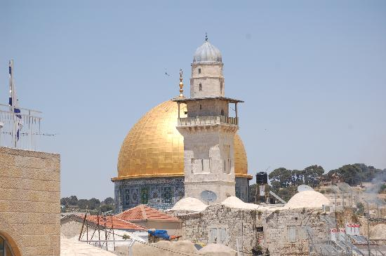 ‪ذا جولدن ولز هوتل: Golden Dome Mosque‬