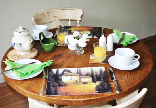Newbarn Cottage: Breakfast