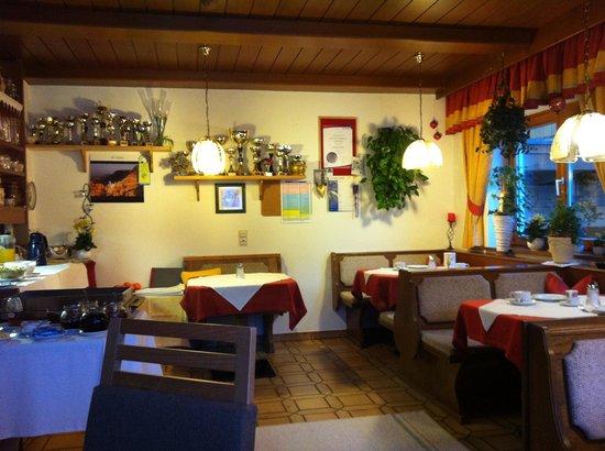 Guesthouse Erhart: Breakfast room