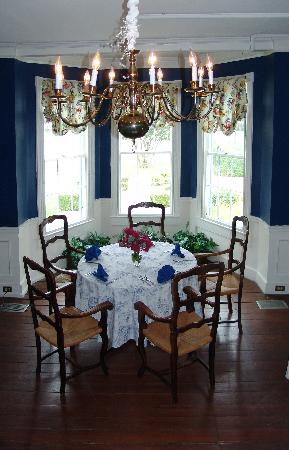 The Inn at Brome Howard: The Blue Dining Area