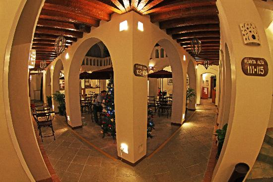 Hotel Casa Conzatti: Outdoor Restaurant