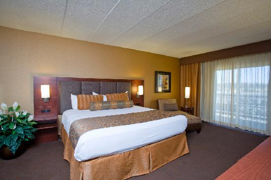 ‪‪Ho-Chunk Casino Hotel and Convention Center‬: Luxury Room‬