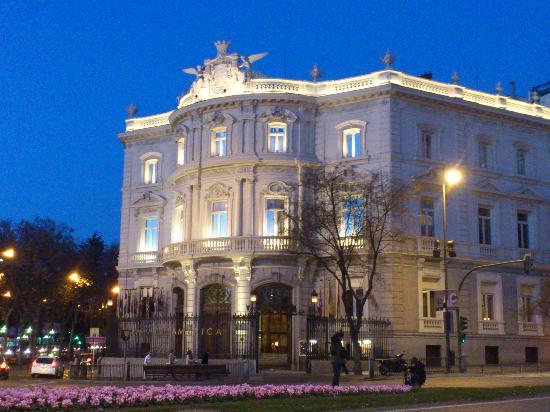 Madrid, Spanien: casa de america al atardecer