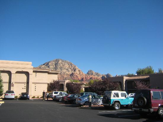 Sedona Real Inn and Suites: Outside