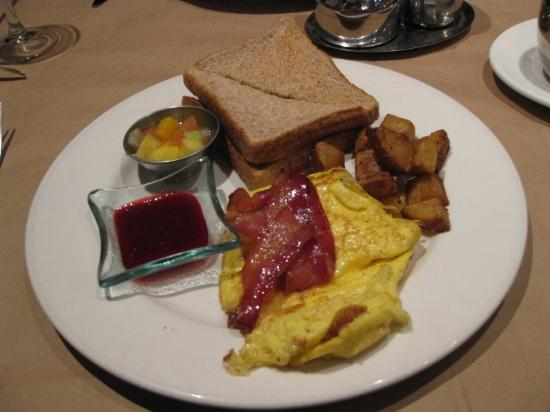 Auberge Place D'Armes : breakfast Omlet