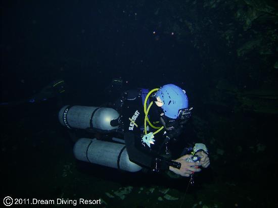 Dream Diving: cave diving jailhouse