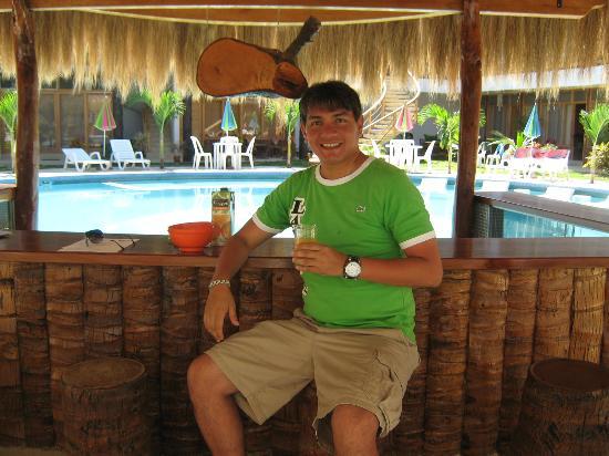 Las Palmeras de Punta Sal: El bar de la piscina desde el otro lado.