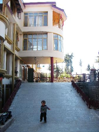 Aapo Aap Home Stay: front of house