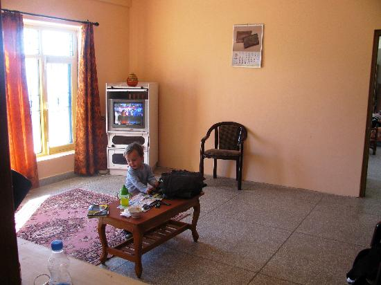 Aapo Aap Home Stay: private lounge