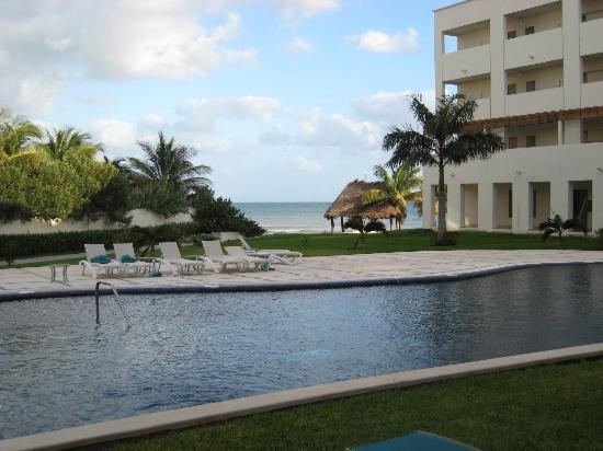 Secrets Silversands Riviera Cancun: View from our patio doors to the swim out pool for our room (not the main pool)