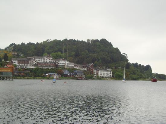 Hotel Cabana del Lago : El Hotel desde el centro