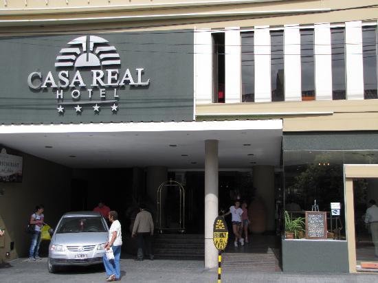 Casa Real Hotel: vista del frente