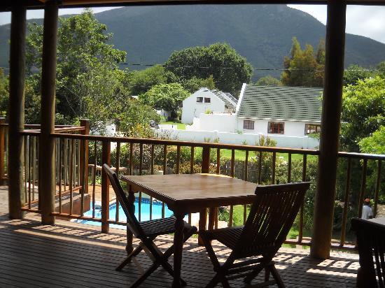 At The Woods Guest House: Lugar de Desayuno