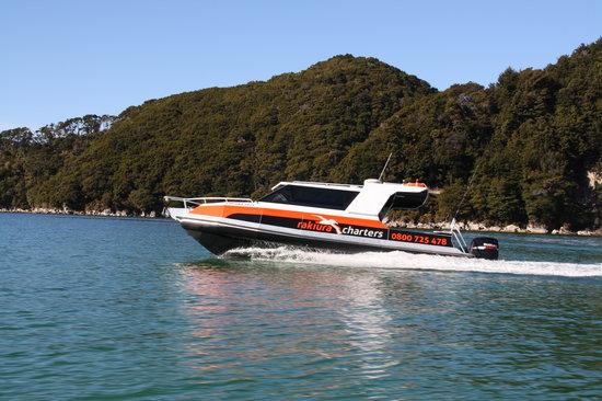 Rakiura Charters & Water Taxi : Cruise in style with Rakiura Charters