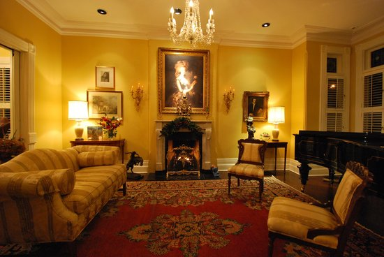 Beverley Place: Living Room