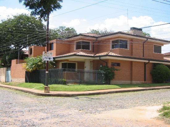Aparthotel Lipa: Lipa sign, next to a typical neighborhood house