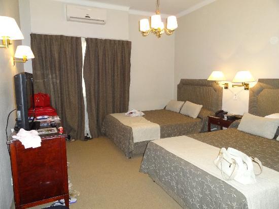 Lafayette Hotel: Room