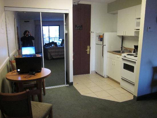 Extended Stay Canada - Ottawa: Kitchen area (and closet)