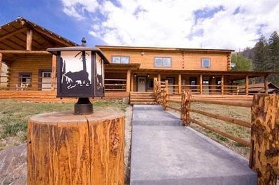 Crossed Sabres Ranch: Our Main Lodge