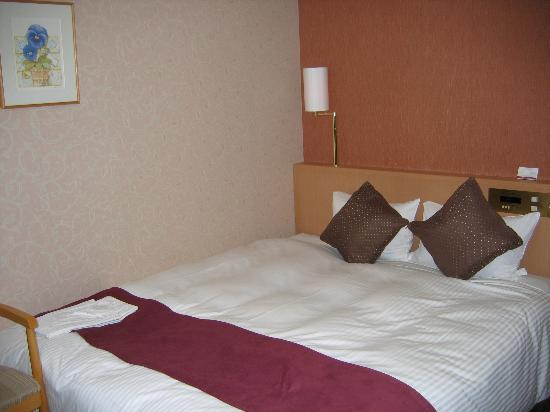 Richmond Hotel Hakata Station-Side: Double bed.