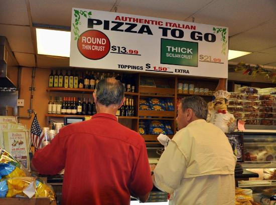 The Italian Deli & Market: pizza to go