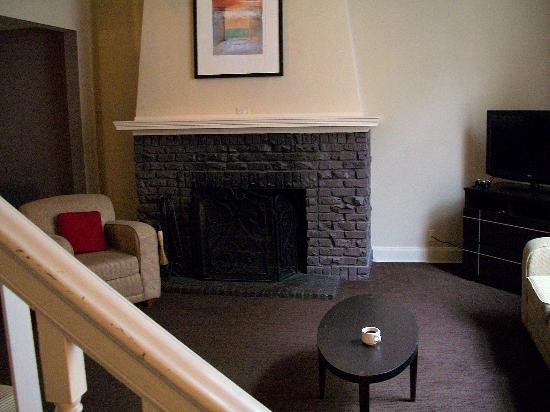 Magnolia Hotel Omaha: Living Room