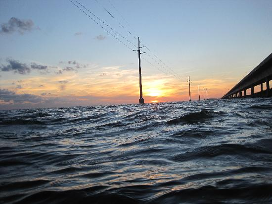 Seven Mile Bridge: sunset at water level