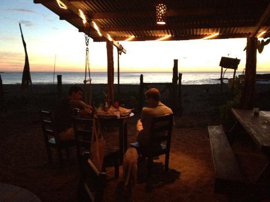 Chele Palmado's : Sunset Dining at Chele Palmados