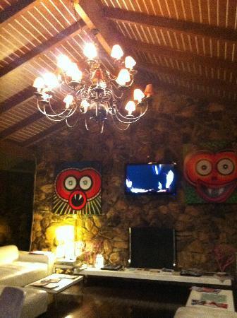 The Capri: lobby