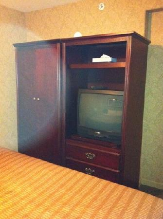 Sandman Hotel Vancouver Airport: armoire in bedroom loft area