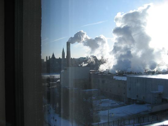 Four Points by Sheraton & Conference Centre Gatineau-Ottawa: Side view of Parliament