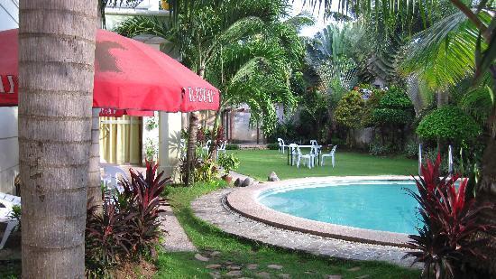 Hotel Camila Dipolog: swimming pool