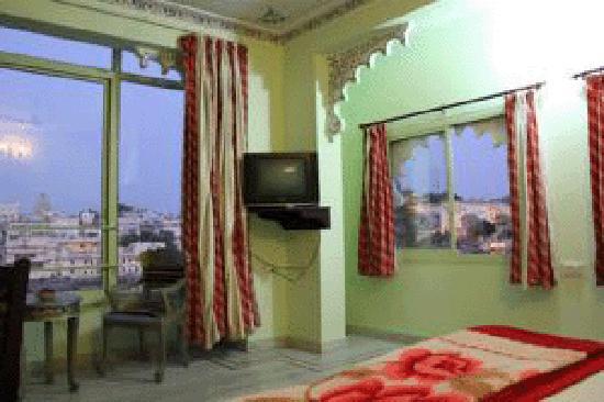 Hotel Thamla Haveli: lake view room