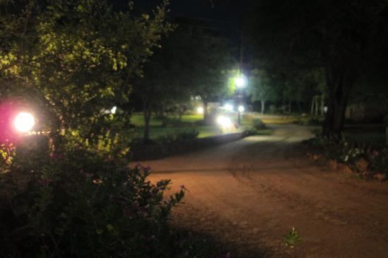 Blyde River Wilderness Lodge: Das Gelände bei Nacht