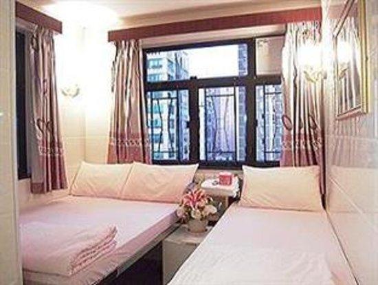 Carlton Guest House: Triple Room