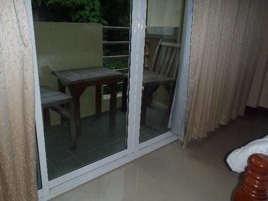 Pranang Flora House: balcony
