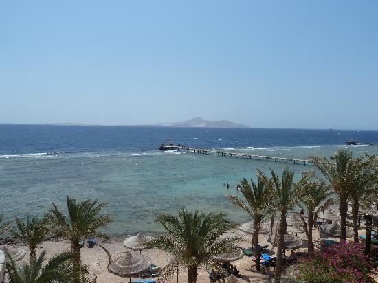 Tamra Beach: panorama / landscape