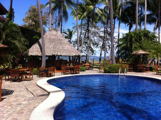 Tambor Tropical Beach Resort: beautiful pool area